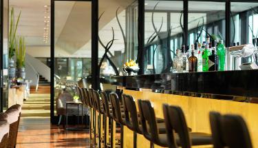 DOX Bar & Lounge