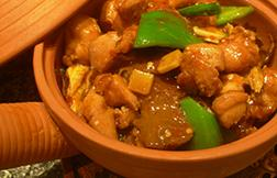 Clay pot chicken with smoked bamboo shoot in chilli sauce